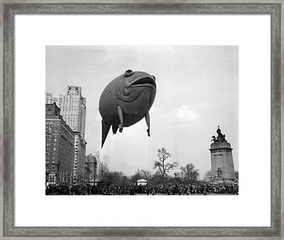 Columbus Circle The Macys Thanksgiving Framed Print by Everett