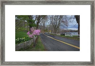 Framed Print featuring the photograph Connecticut Country Road by Bill Wakeley