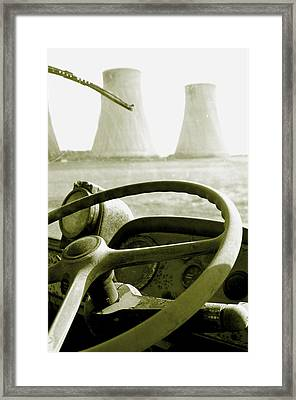 Framed Print featuring the photograph Cooling Commer by Jez C Self