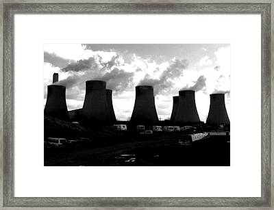 Framed Print featuring the photograph Cooling Place To Live by Jez C Self