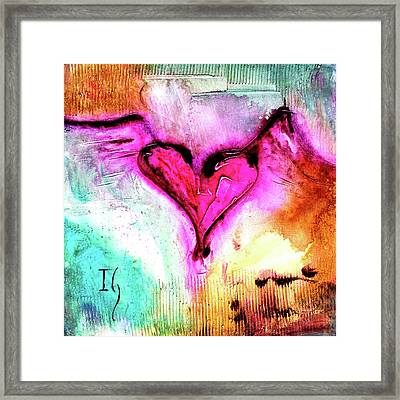 Corazon Rosa Framed Print