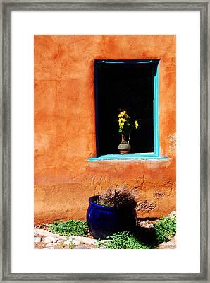 Corner In Santa Fe Nm Framed Print by Susanne Van Hulst