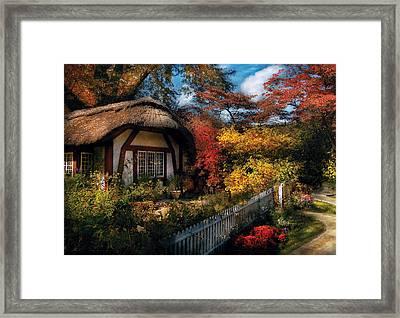 Cottage - Grannies Cottage Framed Print
