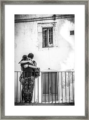 Couple Of Guys Hugging Leaning On A Railing - Black And White With Vignetting Framed Print by Luca Lorenzelli