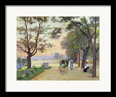 Cours-la-reine Framed Prints