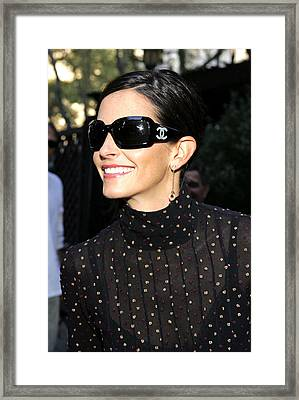 Courteney Cox Wearing Chanel Sunglasses Framed Print