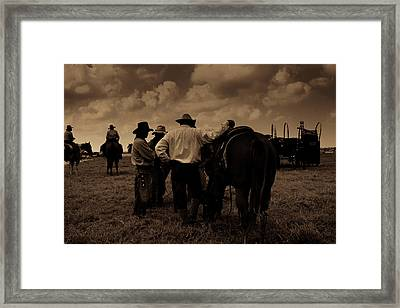 Cowboy Conversation Framed Print by Toni Hopper