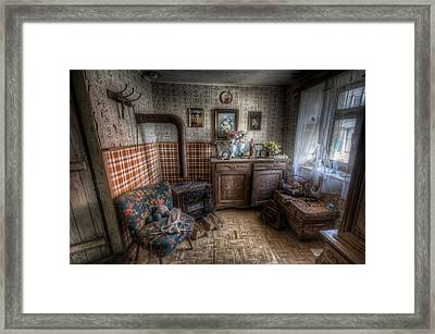 Cozy Framed Print by Nathan Wright