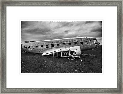 Framed Print featuring the photograph Crash by Wade Courtney