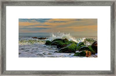Crashing Waves Framed Print by David Hahn