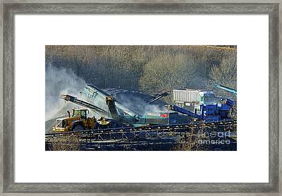 Crushing And Screening. Framed Print by Stan Pritchard