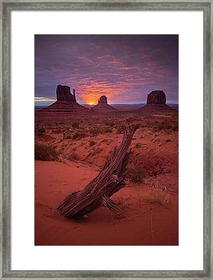 Dawn // Monument Valley // Arizona Framed Print