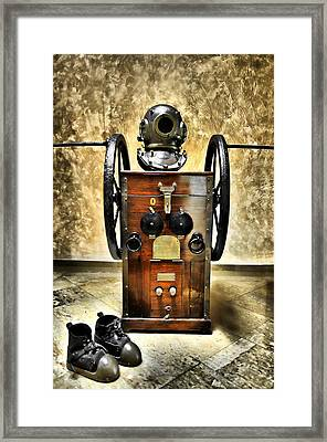 Deep Diver Equipment In Vintage Process Framed Print by Pedro Cardona Llambias