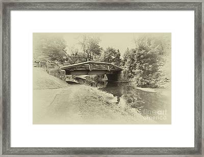 Delaware Camnal In Black And White Framed Print