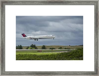 Delta Airlines Boeing 717 N952dl Hartsfield-jackson Atlanta International Airport Framed Print