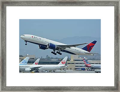 Framed Print featuring the photograph Delta Boeing 777-232lr N703dn Los Angeles International Airport May 3 2016 by Brian Lockett