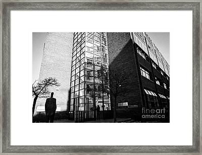 department of social protection and department of jobs enterprise and innovation earlsfort centre Du Framed Print