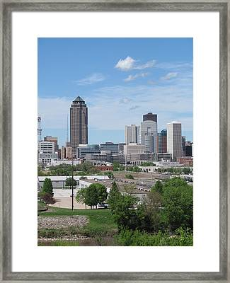 Des Moines From Macrae Park Framed Print by Jerry Browning