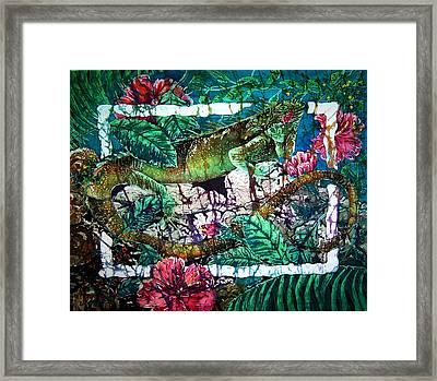 Dining At The Hibiscus Cafe - Iguana Framed Print by Sue Duda