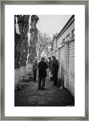 Framed Print featuring the photograph Discussion by John Williams
