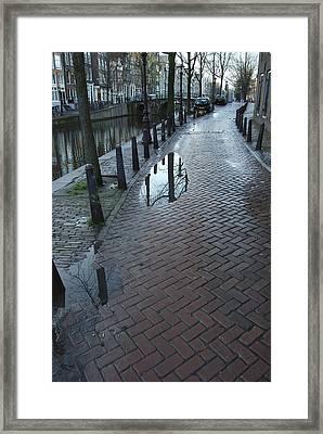 Dnrh1109 Framed Print by Henry Butz