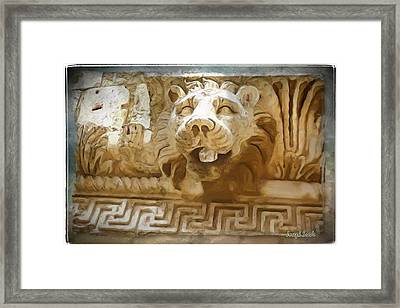Do-00313 Lion Water Feature Framed Print