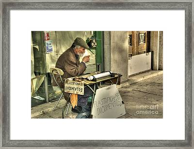 Documentos  Framed Print by Rob Hawkins