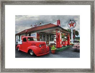 Framed Print featuring the photograph Dodge At Cruisers by Lori Deiter