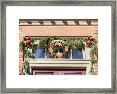 Door Decor Red Lion Inn Framed Print by Teresa Mucha
