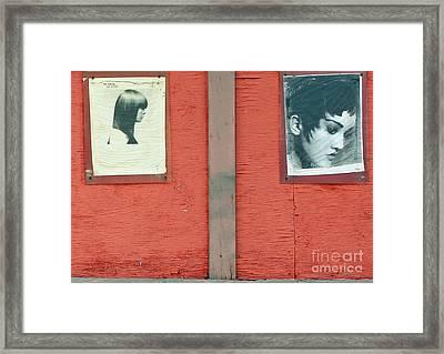 Dos Femme Framed Print