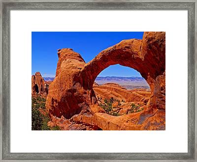 Double O Arch Landscape Framed Print