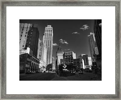 Downtown Detroit 003 Bw Framed Print by Lance Vaughn