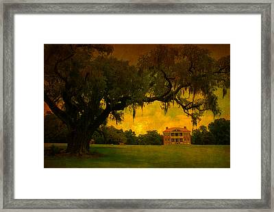 Drayton Hall Plantation In Charleston Framed Print