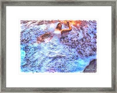 Dressing Waves - Da Framed Print by Leonardo Digenio