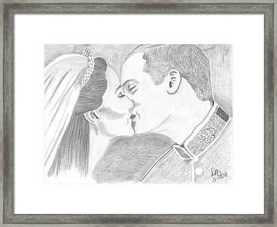 Duke And Duchess Of Cambridge Framed Print by DebiJeen Pencils
