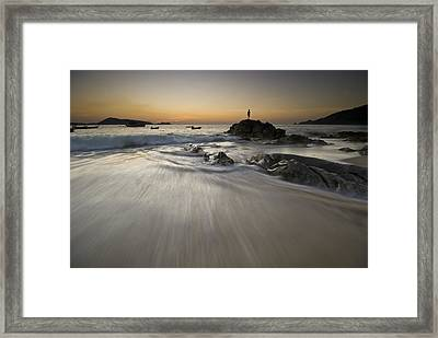 Dusk At The Beach Framed Print by Ng Hock How