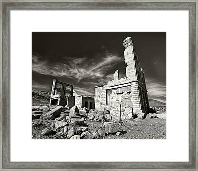 Early Withdrawal Framed Print by Mike McMurray