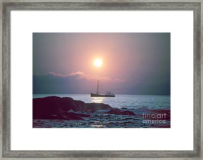 Eastern Rig Framed Print by Jim Beckwith
