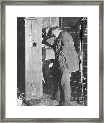Edison Fluoroscope, 1896 Framed Print by Science Source