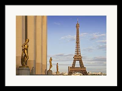 Skulpture Framed Prints