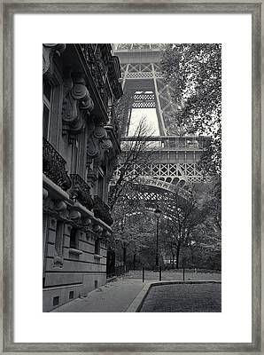 Framed Print featuring the photograph Eiffel Tower by Richard Goodrich
