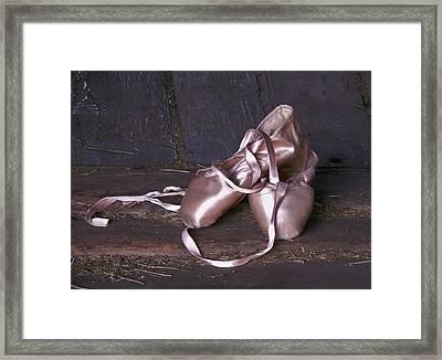 En Pointe Framed Print by Barbara St Jean