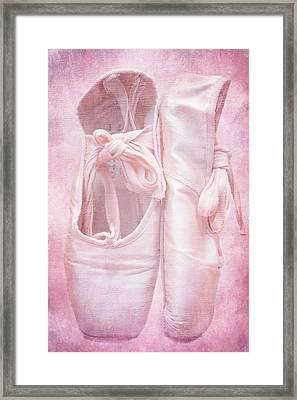 En Pointe Framed Print by Iryna Goodall