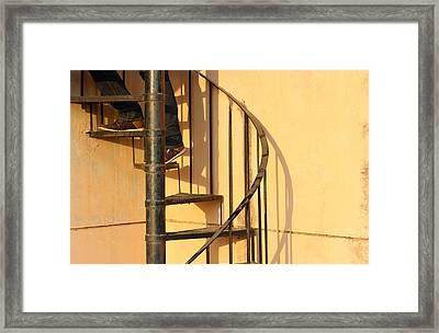 Framed Print featuring the photograph En Route by Prakash Ghai