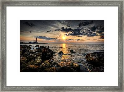 End Of The Day Framed Print by Everet Regal