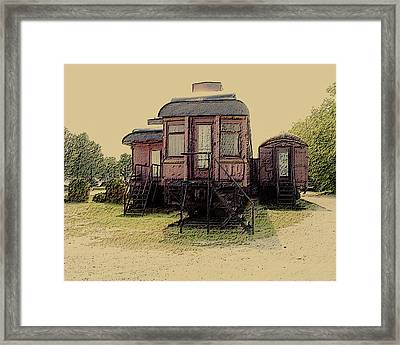 End Of The Line Framed Print by Leslie Montgomery