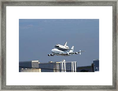 Endeavous Final Flight Lax Framed Print by Denise Dube