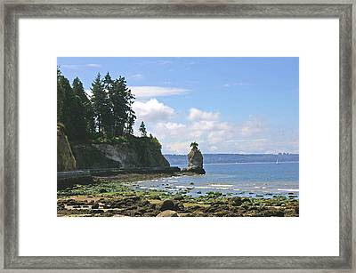 English Bay Framed Print by Tom Reynen