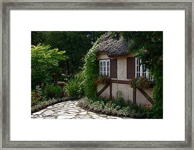 English Cottage Framed Print by Joanne Smoley
