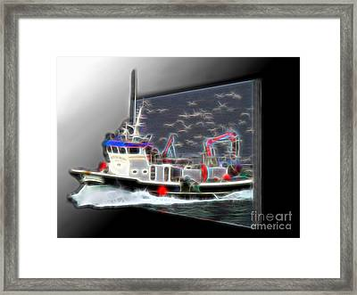 Escaping The Seagulls Framed Print by Sue Melvin